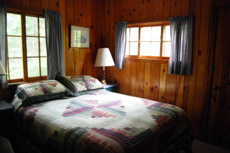 Cabin Four: Bedroom 2
