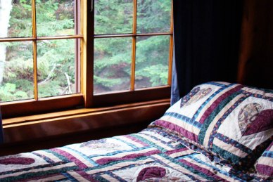 Cabin Five: Bedroom 2