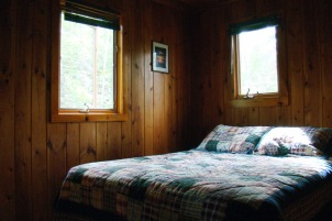 Cabin Six: Bedroom