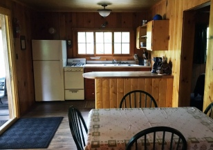 Cabin Eight: Kitchen and Dining